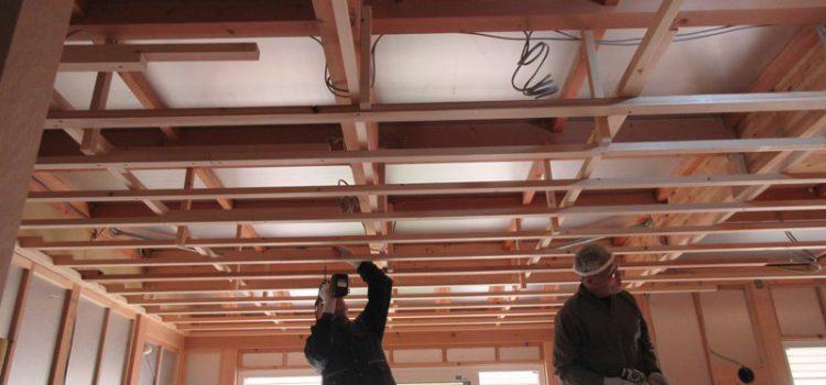 天井下地作業